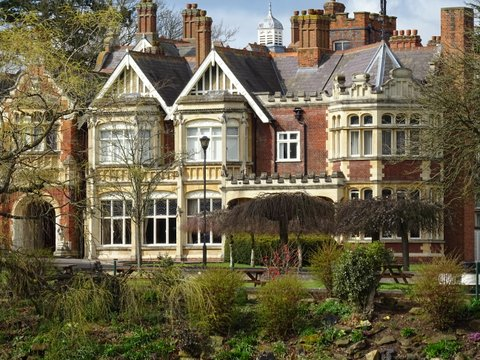 BLETCHLEY PARK - SOLVE THE ENIGMA FOR A GREAT TEAM EVENT